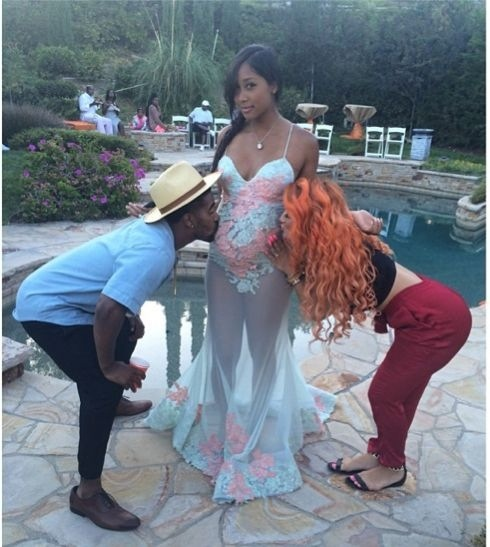 Omarions Baby Momma Apryl Wears A Interesting Dress To Her Baby